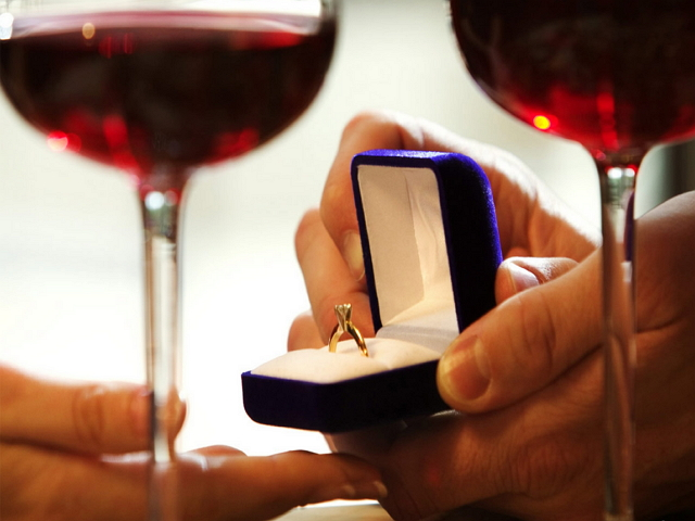 Ամուսնության առաջարկ անելու 13 ինքնատիպ եղանակ